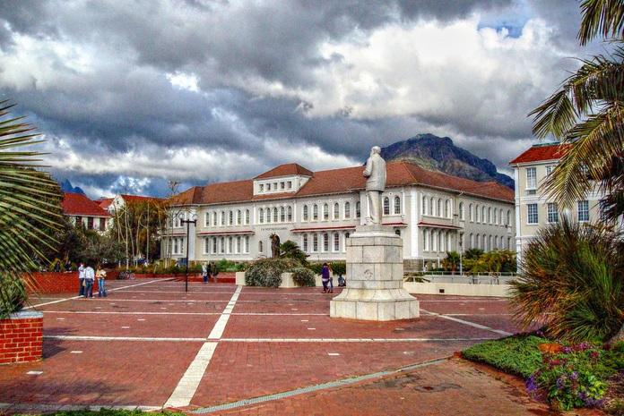 Plaza J. H. Marais, Universidad de Stellenbosch. (Foto: A guy called John)