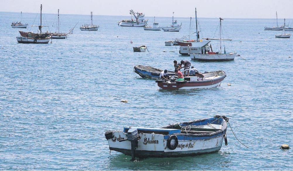 FRÁGIL. Cabo Blanco, una caleta icónica para la pesca deportiva y varios deportes acuáticos, es además una fuente de riqueza biológica bajo constante riesgo. (Foto: Ralph Zapata)